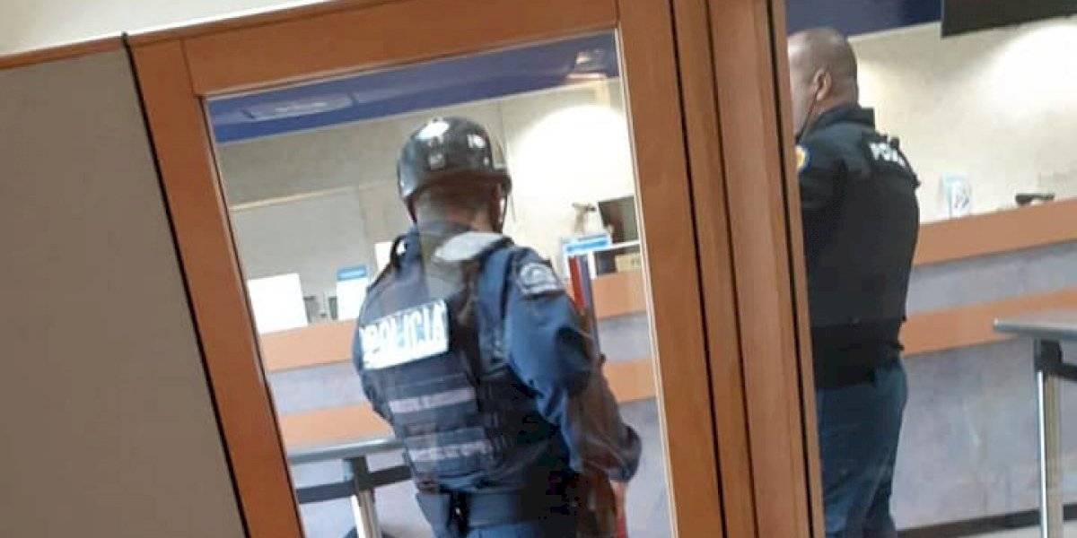 Robo a banco en Trujillo Alto deja a una persona herida de bala