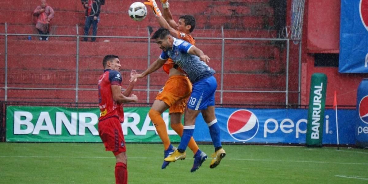Deportivo Iztapa se lleva un valioso punto del estadio El Trébol