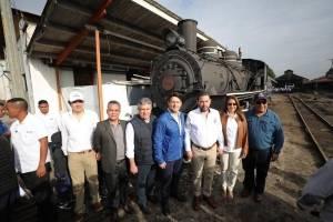 Las autoridades llevaban a cabo la primera prueba del proyecto el Tren, pero el vagón en el que viajaban se descarriló.