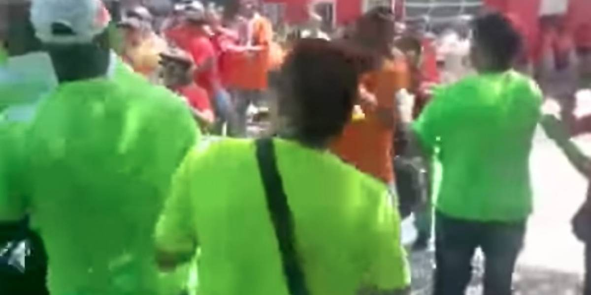 (Video) Candidato a Alcaldía resultó herido tras ataque con piedras