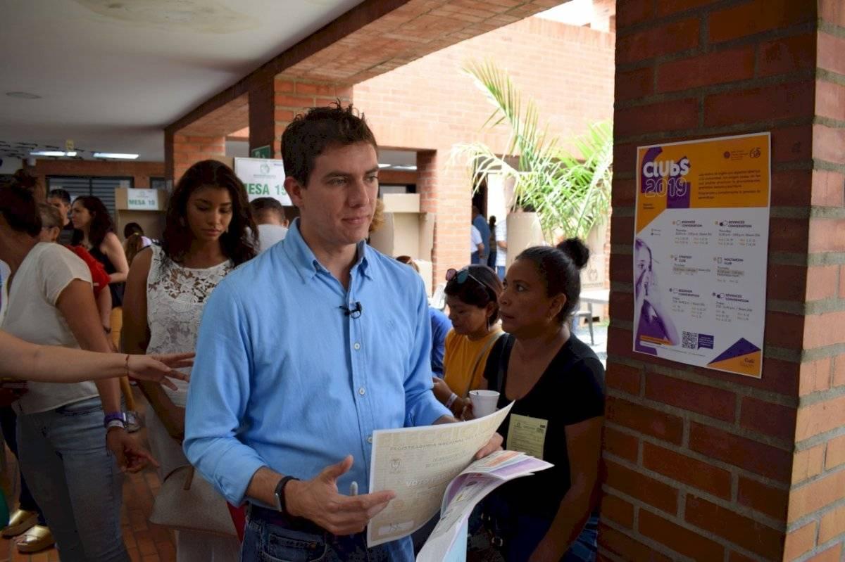 Michel Maya Bedoya votó después del medio día. Foto: Prensa Michel Maya