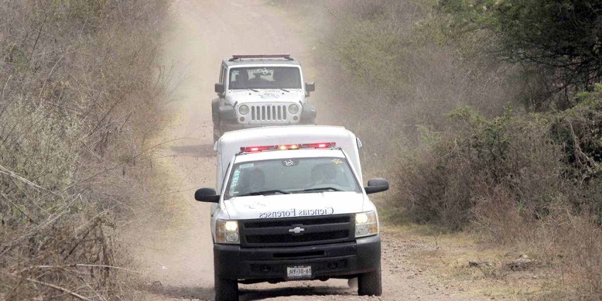 Aparecen más fosas clandestinas, en Lagos de Moreno hallan 15 cadáveres