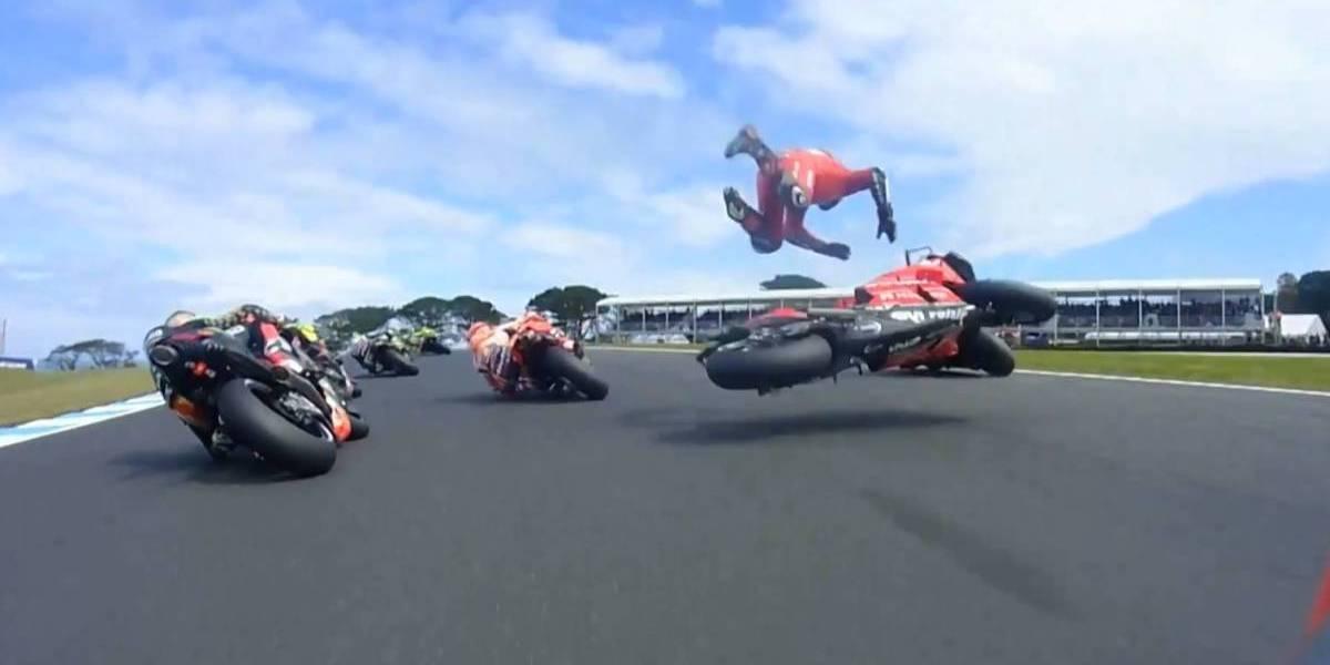 VIDEO. El aparatoso accidente entre dos corredores de MotoGP