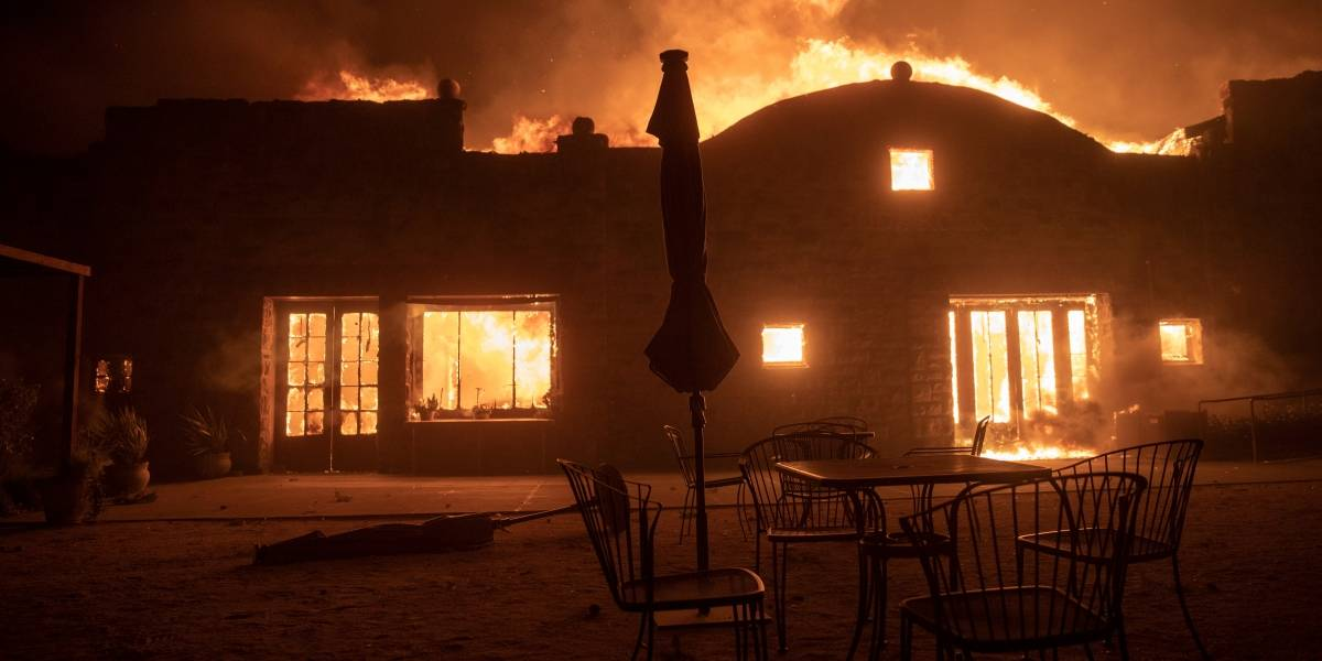 Impactantes fotos: 180.000 evacuados por incendios en California, EEUU