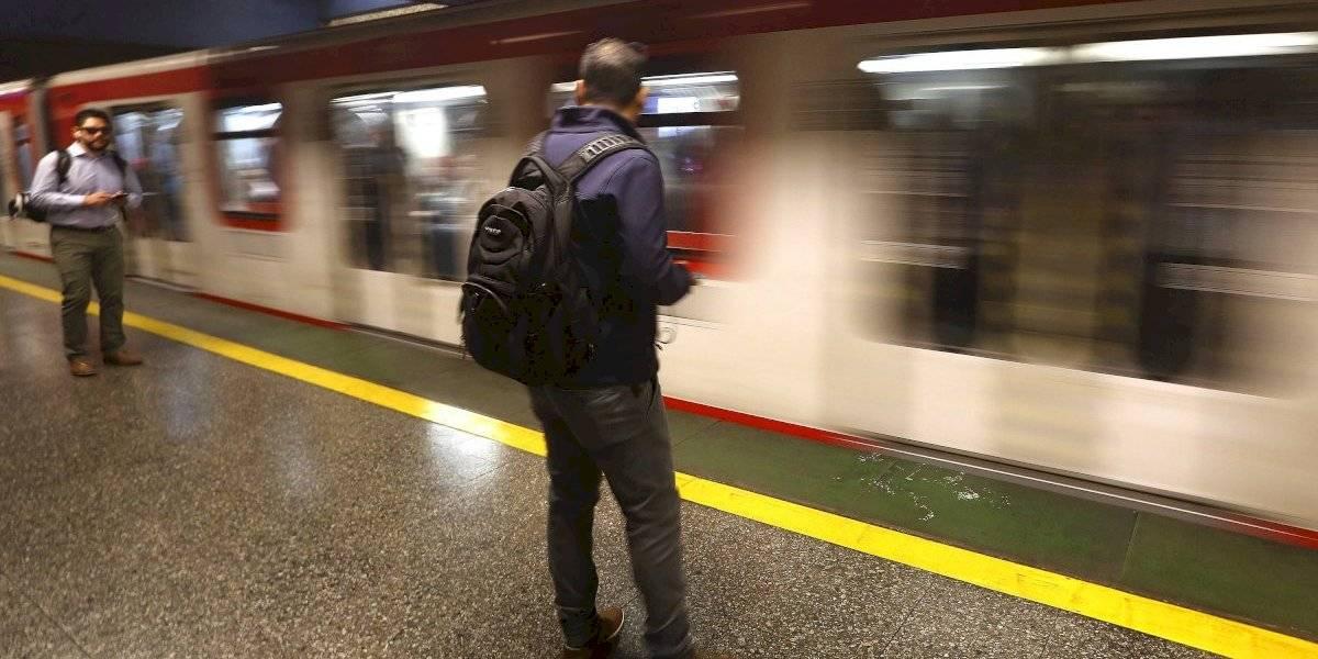 Incluida Plaza de Armas: Metro adelanta funcionamiento y reabre cuatro estaciones
