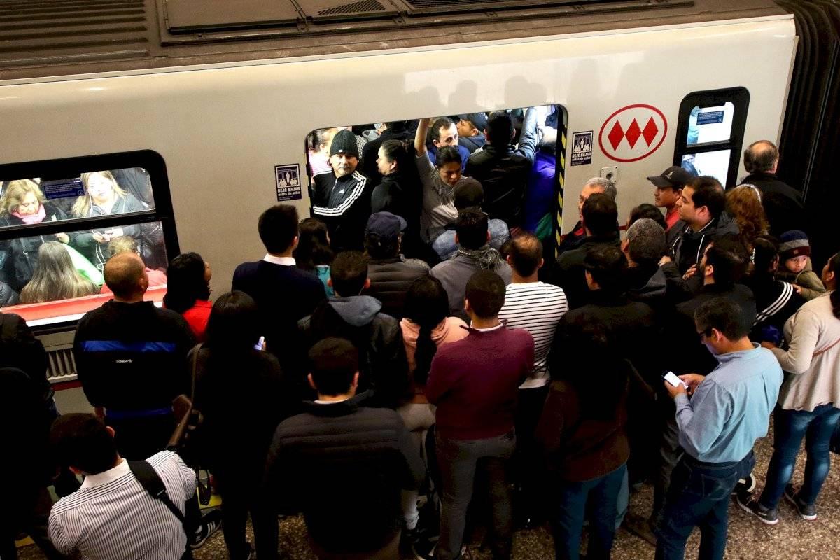 Metro de Santiago anuncia que cuatro estaciones de la Línea 2 operarán mañana lunes 11