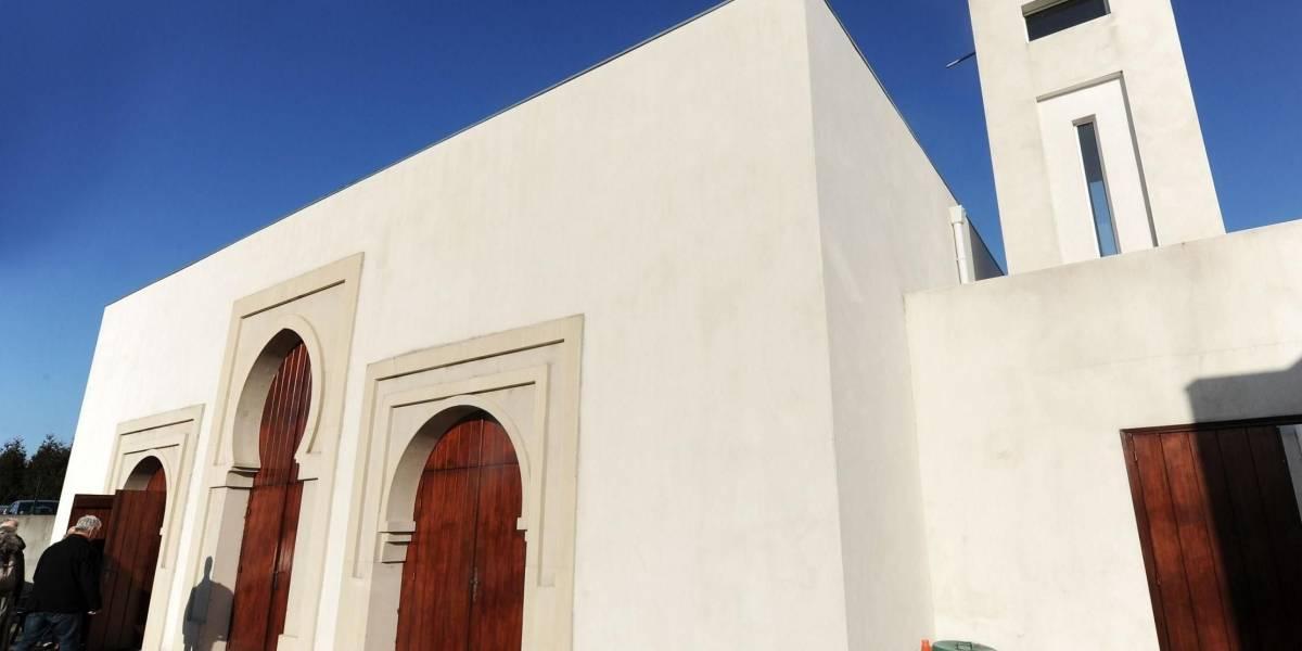 Homem abre fogo e fere idosos em mesquita na França