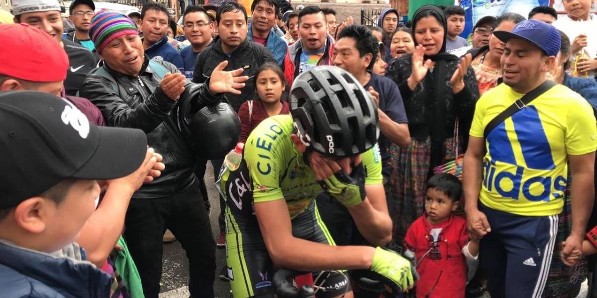VIDEO. El conmovedor llanto de ciclista guatemalteco al cruzar la meta de la sexta etapa