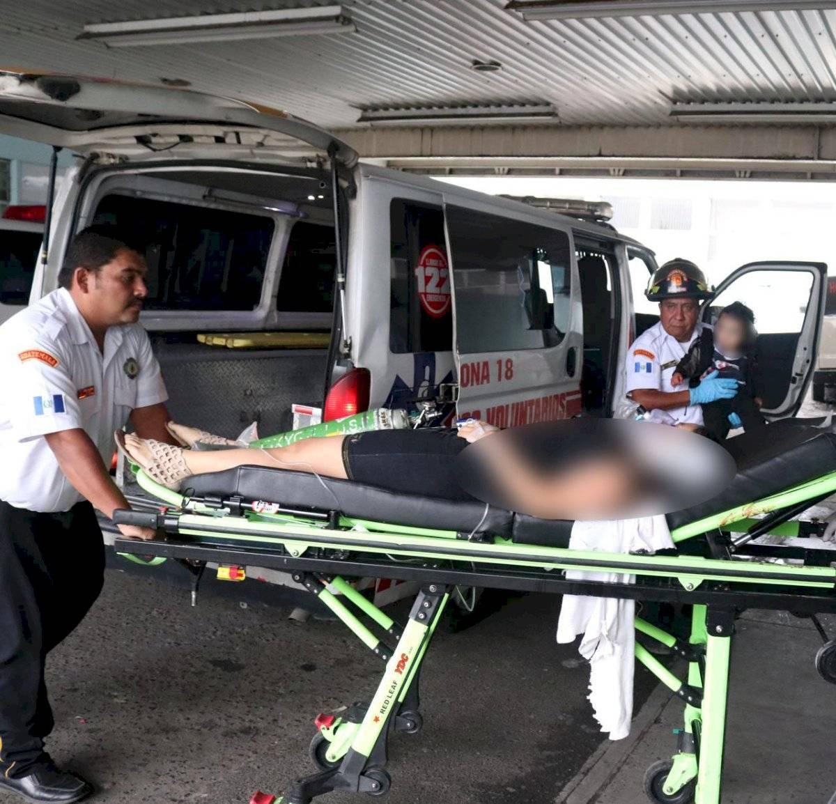 Mujer es atacada a balazos en zona 18