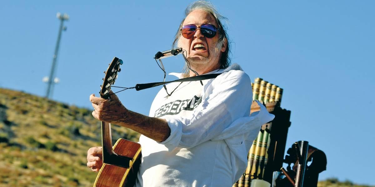 Após sete anos, Neil Young volta a lançar disco com a Crazy Horse