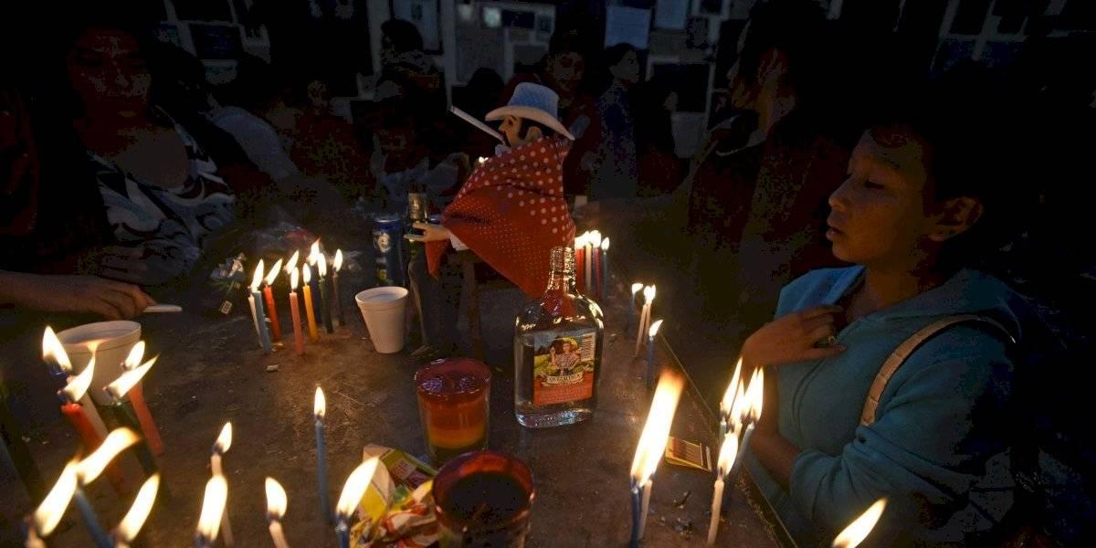 Guatemaltecos veneran a San Simón en San Andrés Itzapa