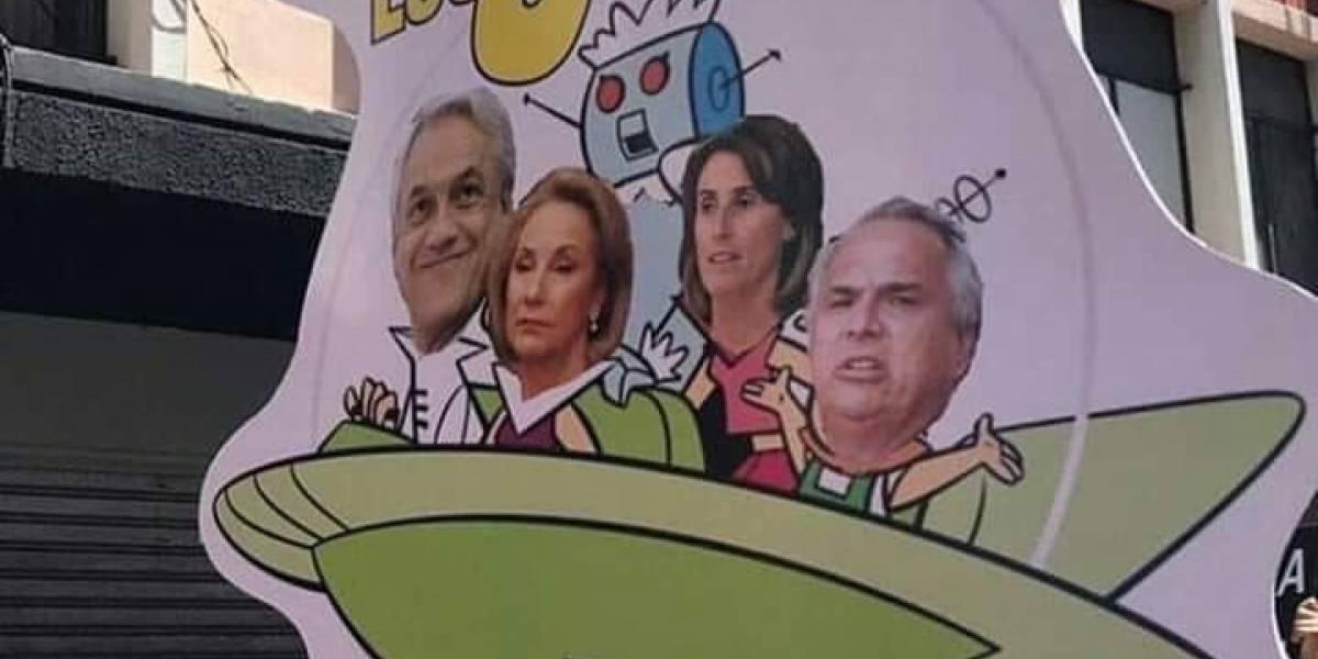 La creatividad lidera el Despertar de Chile: ¿Elige el mejor cartel de las protestas en las marchas?