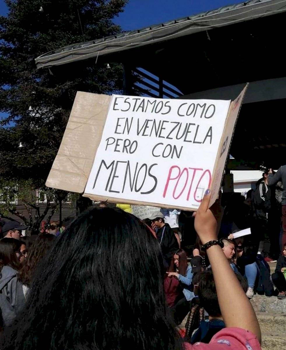 Protestas con Menos poto