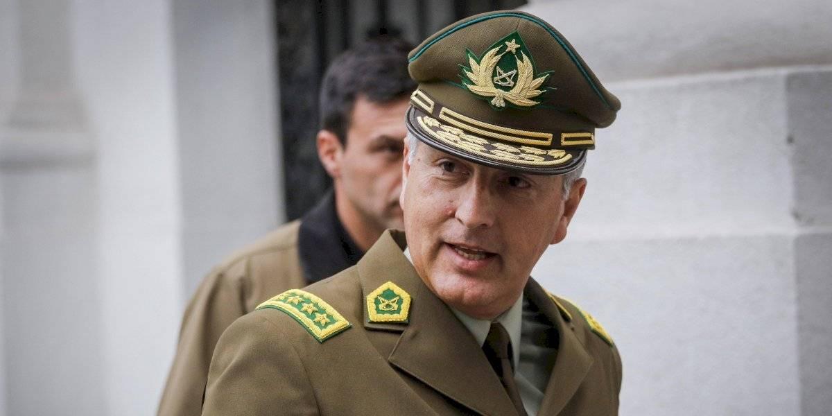 """General Rozas descarta renuncia y confirma uso de químicos en carros lanza aguas: """"Hemos tenido casos de quemaduras cuando hay enfermedades preexistentes"""""""