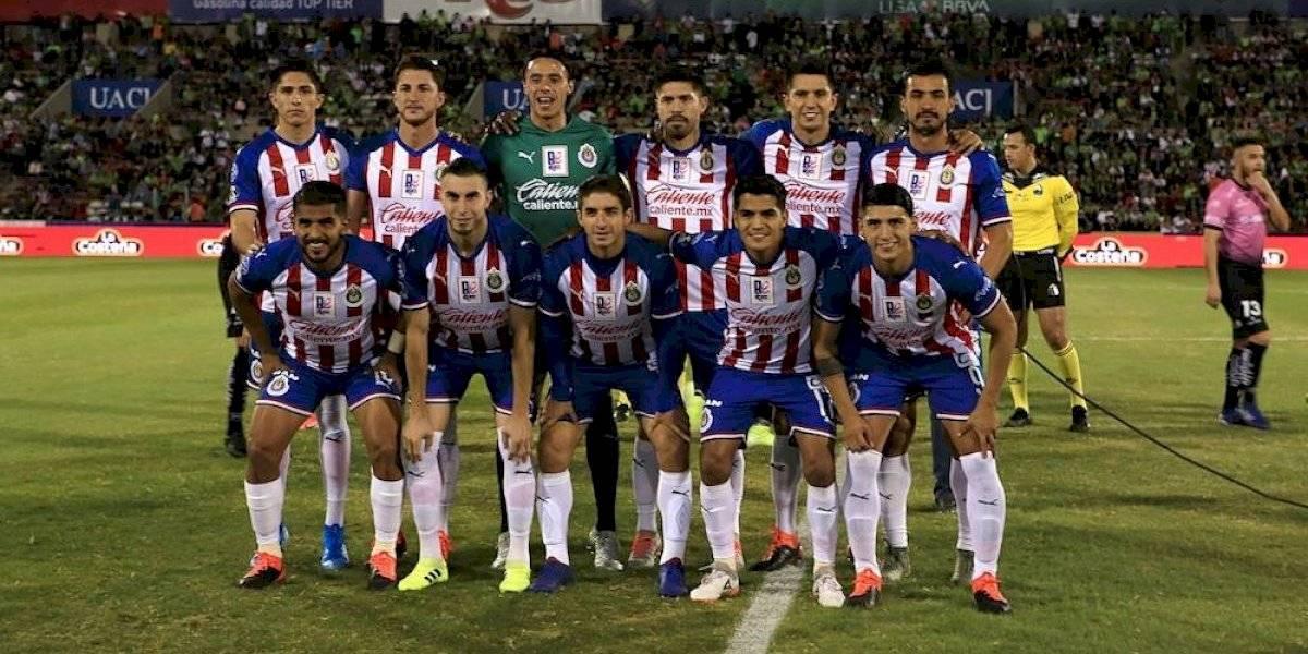 Chivas retira las 12 estrellas de su escudo