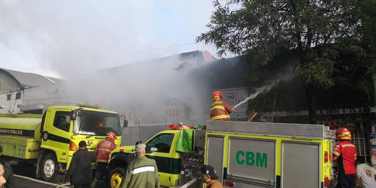 Pérdidas materiales y una persona herida deja incendio en zona 9