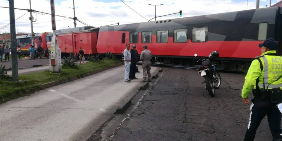 Tren en Quito se descarriló la mañana de este martes