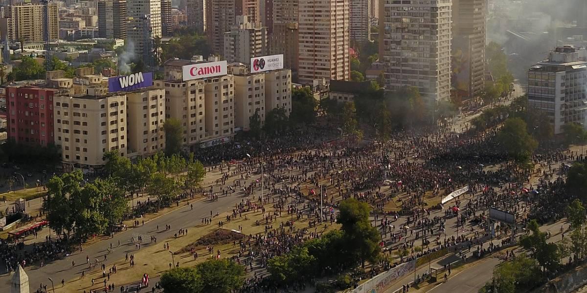 Plaza Baquedano: vecinos piden conmemorar el 18-O sin violencia
