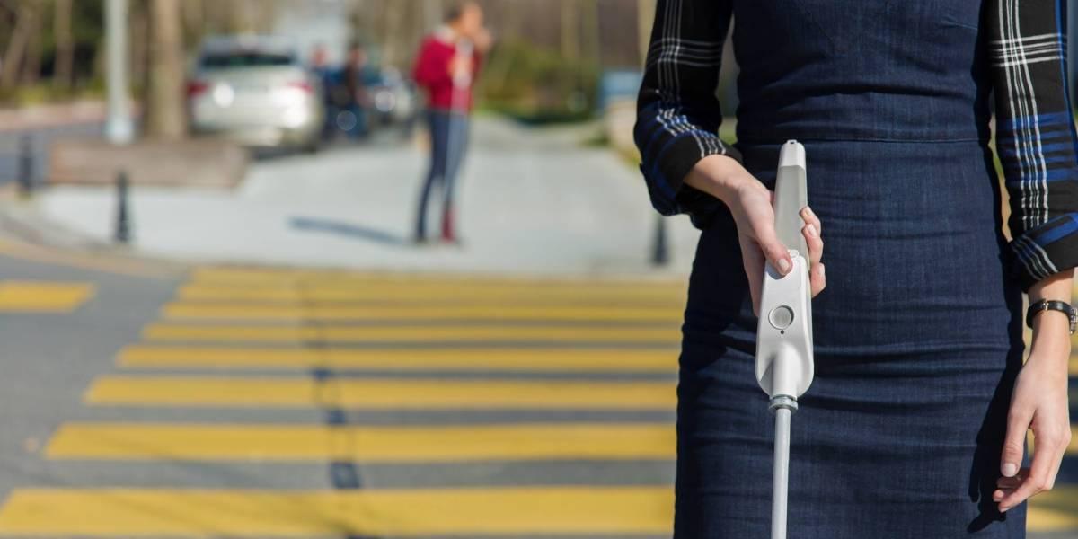 Crean un bastón inteligente con Google Maps para personas con discapacidad visual