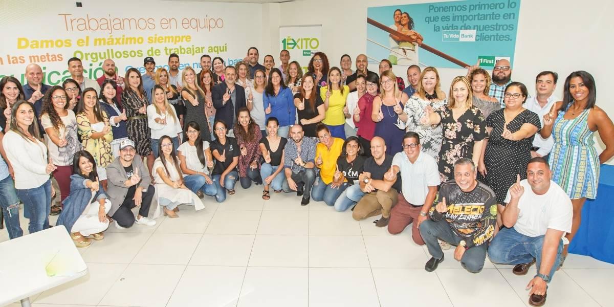 FirstBank capacita 125 empresarios en alianza con INprende