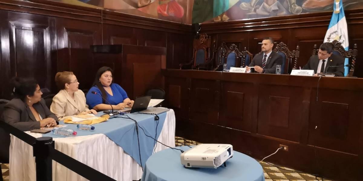 """Blanca Stalling expone ante diputados supuestos """"vejámenes"""" de la CICIG"""