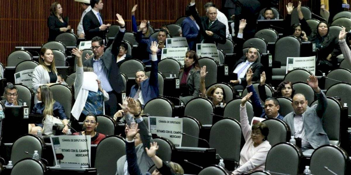 Diputados aprueban Ley de Ingresos; incluye legalización de autos 'chocolates'