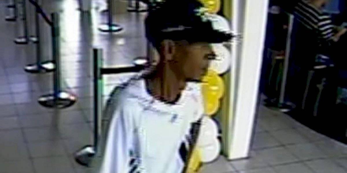 Distribuyen fotos de sospechoso robo a banco de la 65 de Infantería