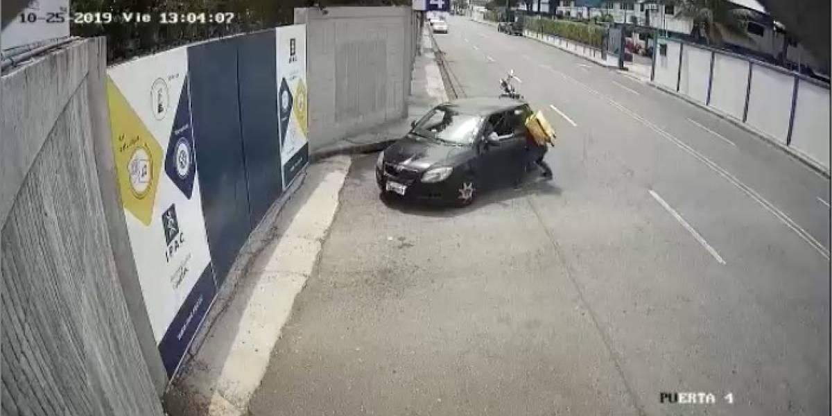 Glovo se pronuncia sobre video de supuesto repartidor que protagonizó un robo en la Vía a Samborondón