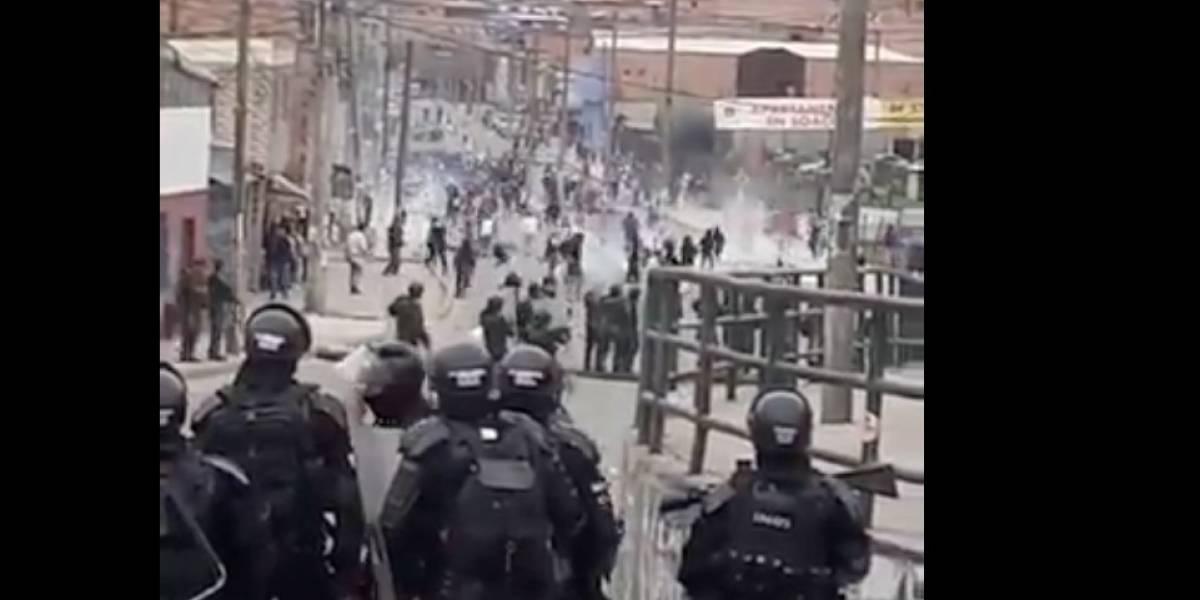 (Imágenes) Fuertes enfrentamientos en entre estudiantes y el Esmad paralizan Soacha