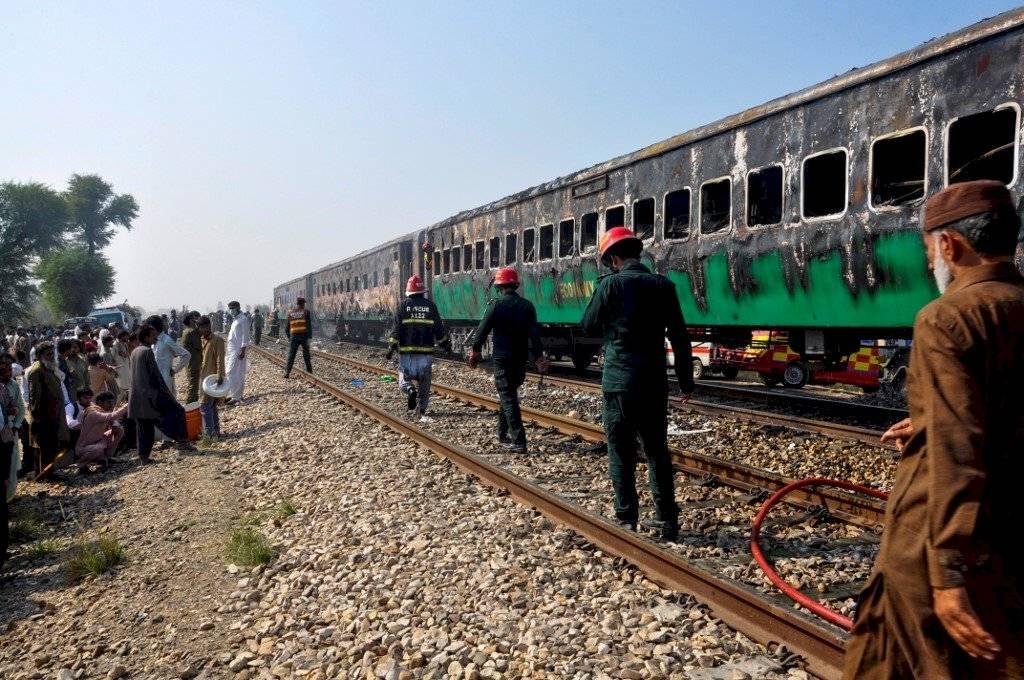 Incendio en tren en Pakistán