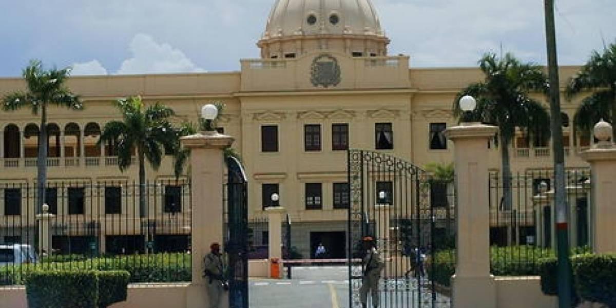 """Presidencia """"desconoce"""" desalojo de campesinos frente al Palacio"""
