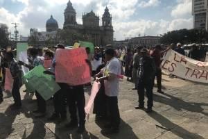 Pobladores de El Estor manifiestan en favor de la minería.
