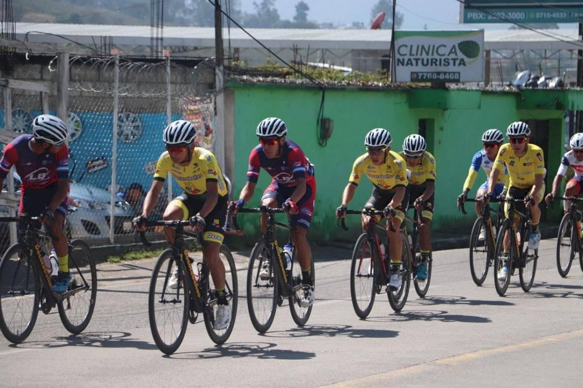 Vuelta Ciclística   Manuel Rodas es el líder general de la Vuelta Ciclística a nuestro país.
