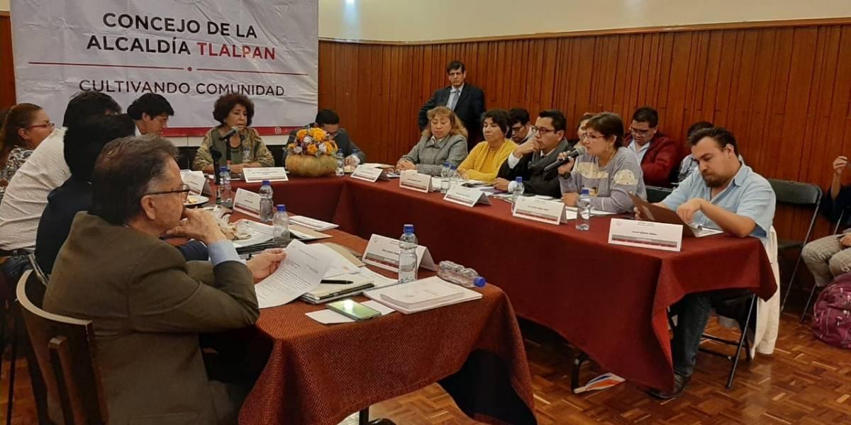 Alcaldesa de Tlalpan revienta sesión y concejales la 'reprueban'