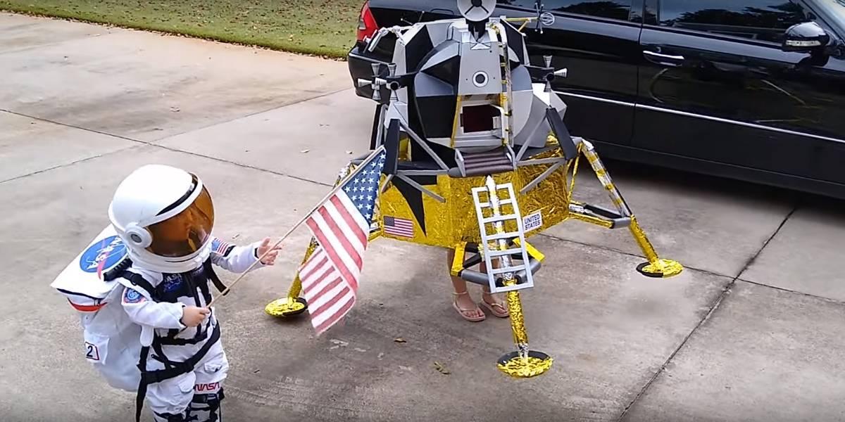 Hermanas se disfrazan de astronauta y módulo lunar para ganar Halloween