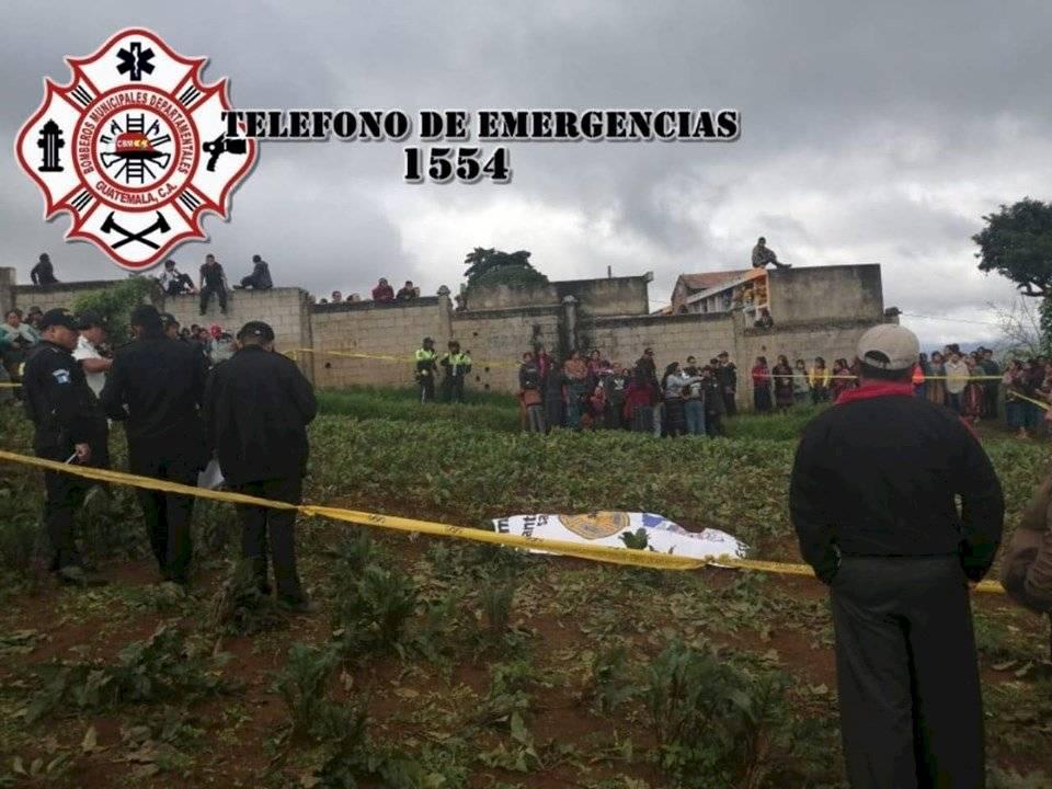 Crimen en cementerio de Santiago Sacatepéquez. Foto: Bomberos Municipales Departamentales