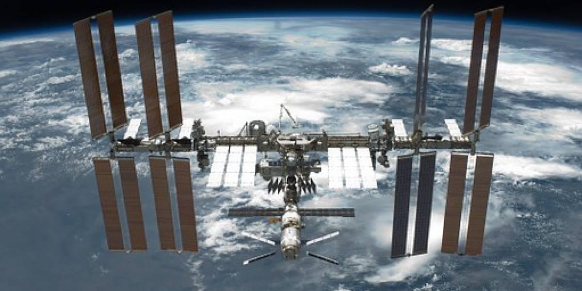 Las astronautas de la EEI jugaron béisbol en pleno modulo espacial