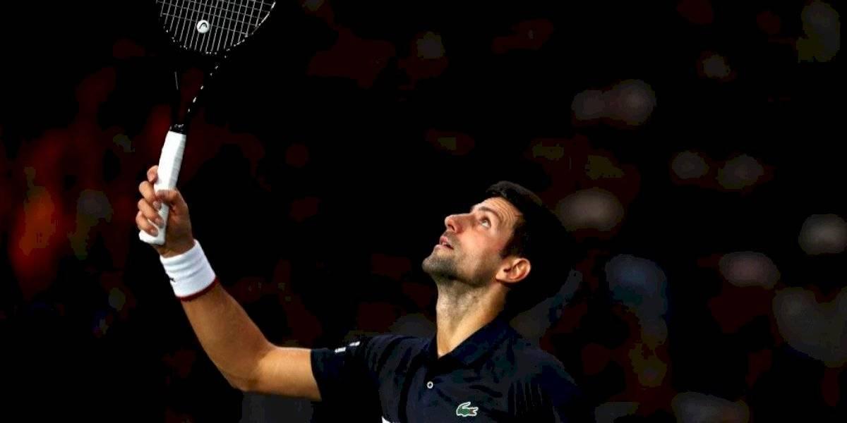 Djokovic despachó con facilidad a Tsitsipas en Paris-Bercy y se enfrentará a Dimitrov en semifinales