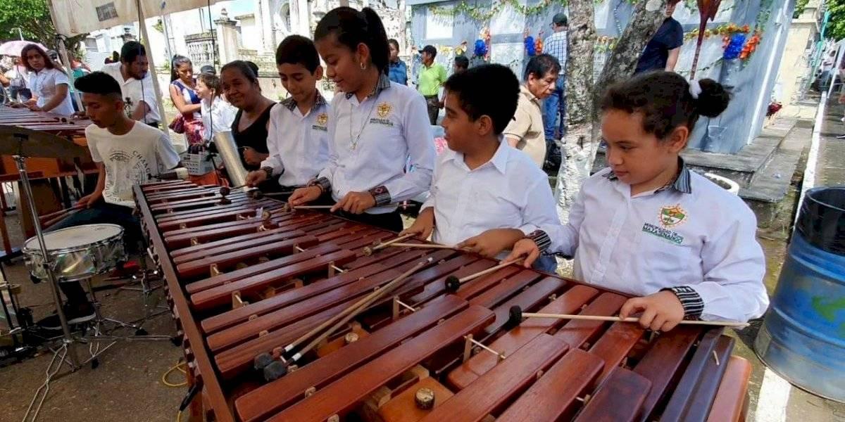 VIDEO. Los niños de la marimba para el Día de los Santos