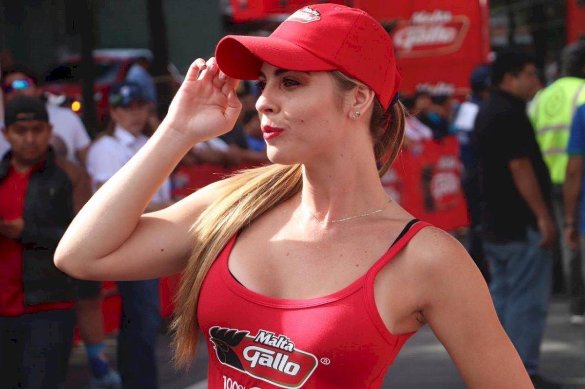 Modelos roban suspiros en la Vuelta a Guatemala