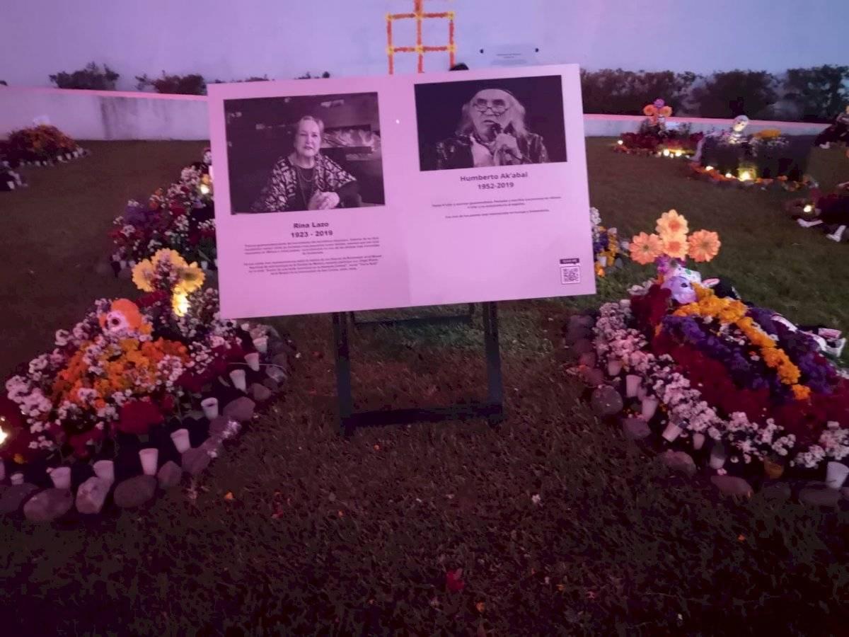 Altar en honor a Rina Lazo y Humberto Ak