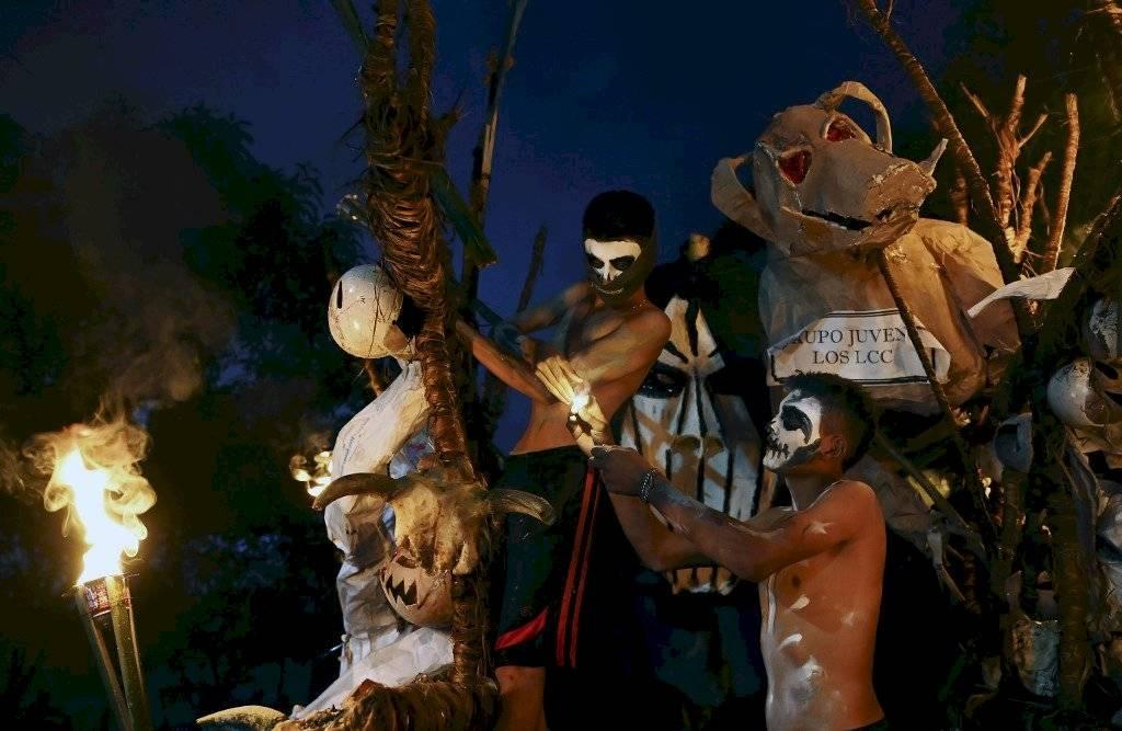Celebran la Calabiuza en El Salvador AFP