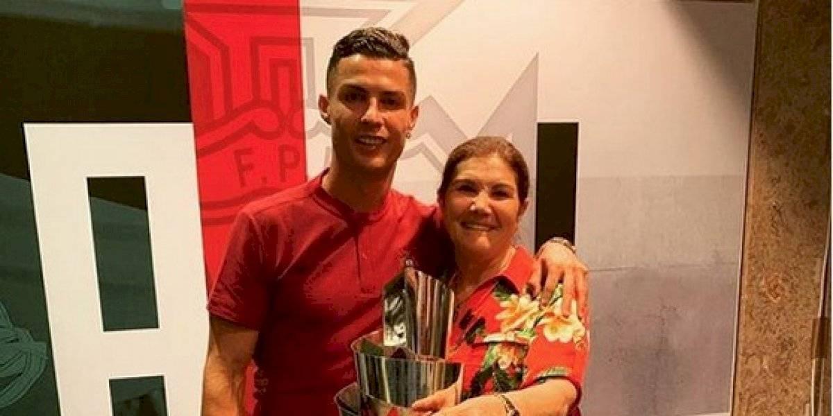 Madre de Cristiano Ronaldo critica a las mafias del futbol