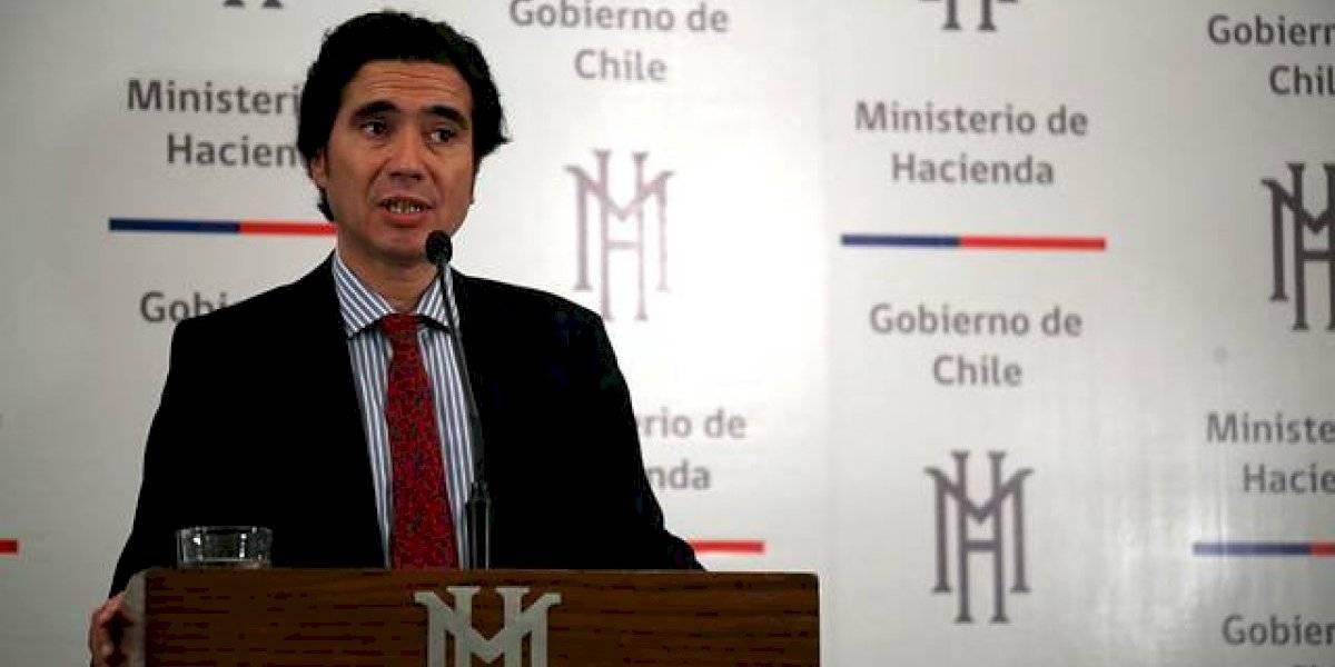 """¿Cómo?: Ministro de Hacienda cierra la puerta a las demandas sociales pero destaca que """"nunca este país había progresado tanto en lo económico y lo social"""""""
