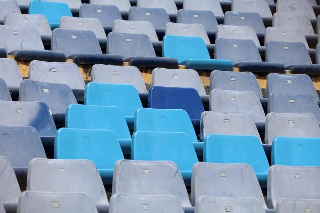 Foto Omar Solís | Así luce la general Norte del estadio de la zona 5 tras el cambio de butacas que fueron dañadas por aficionados de Comunicaciones.