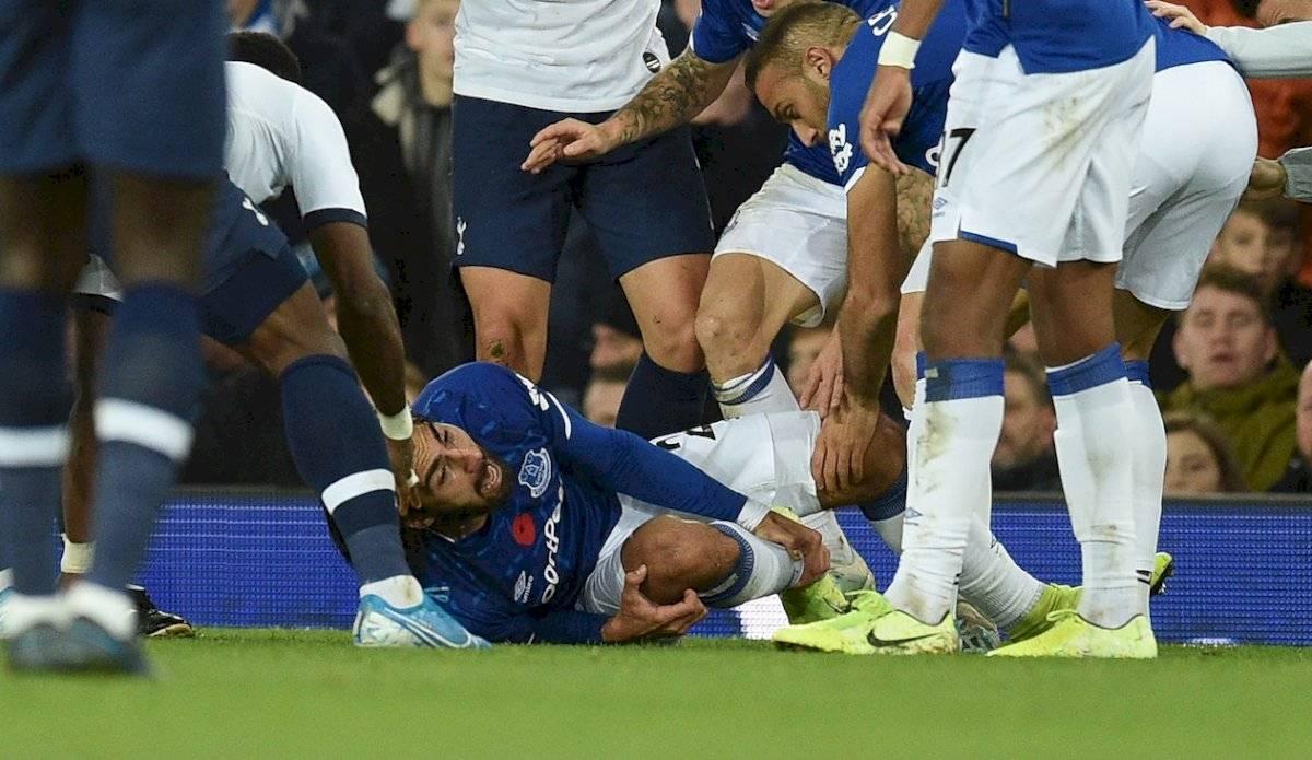 André Gomes lesión foul Son