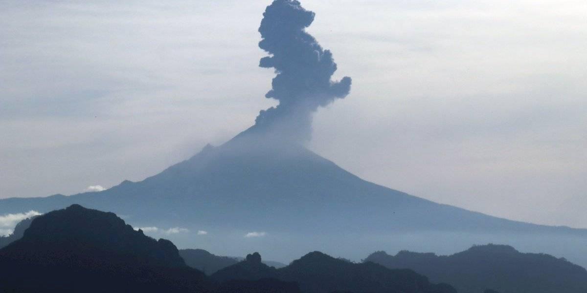 Explosión del Popocatépetl provoca caída de ceniza en alcaldías