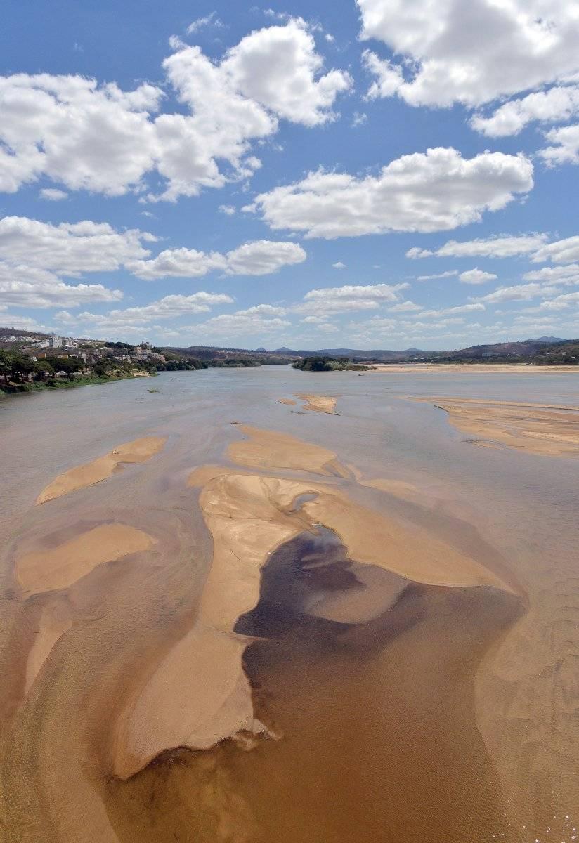 Rio Doce, em Colatina, foi afetado pela lama de rejeitos