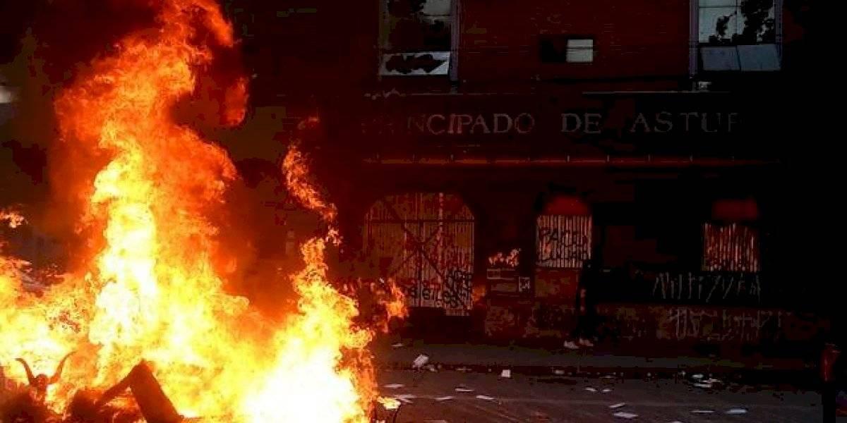 """""""Super Lunes"""" en Plaza Italia: incendian Hotel Principado de Asturias por segunda vez"""