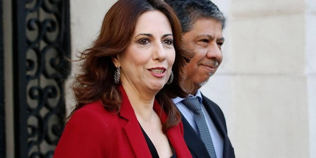 """""""No basta con la renuncia, que vaya presa por cohecho"""": las reacciones en redes sociales a la denuncia que hizo caer a ex subsecretaria Alejandra Bravo"""